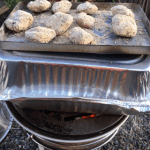 七輪と即席アルミダッチオーブンででコストコの牛タンを塩釜焼きにしたら激うまだったでござる